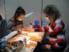 Наталья Баданина выполняет японский маникюр